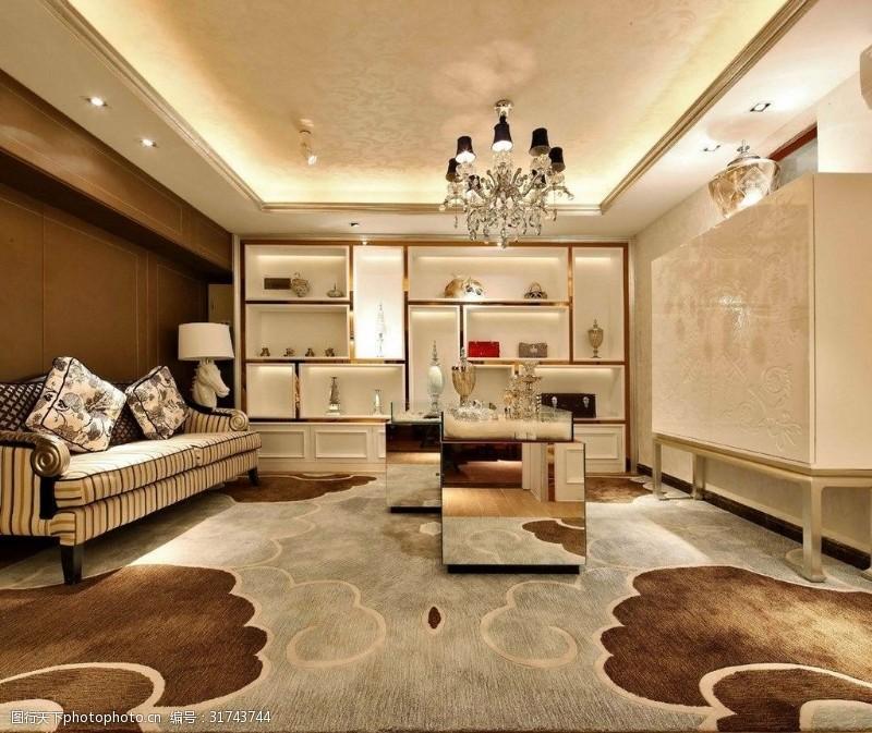 寬敞低奢歐式客廳設計效果圖