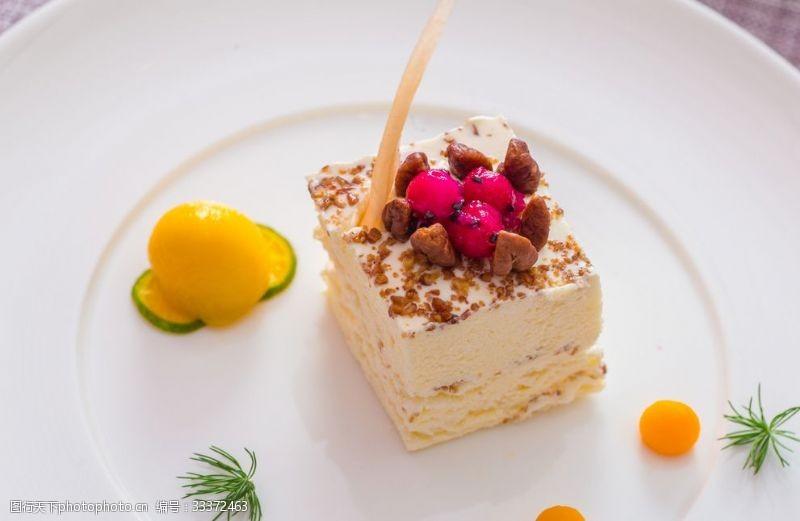 下午茶提拉米蘇蛋糕