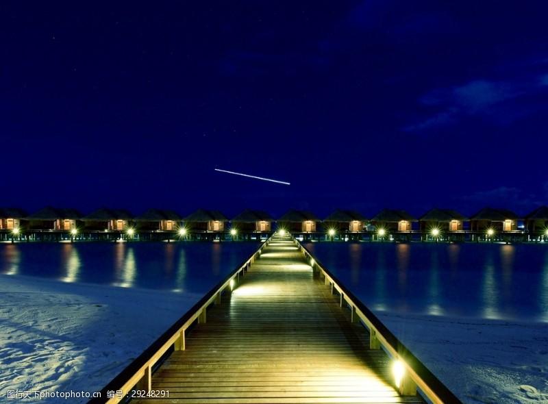碧绿的海水马尔代夫夜景