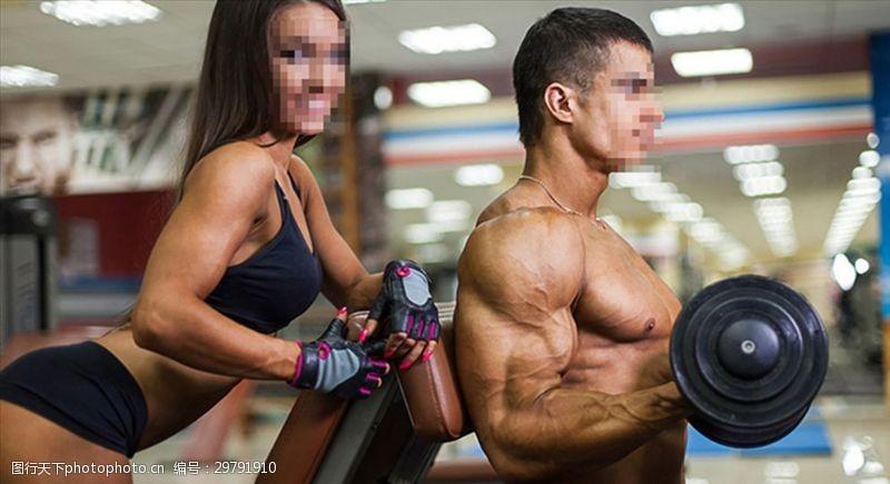 好身材展示教练指导健身美女