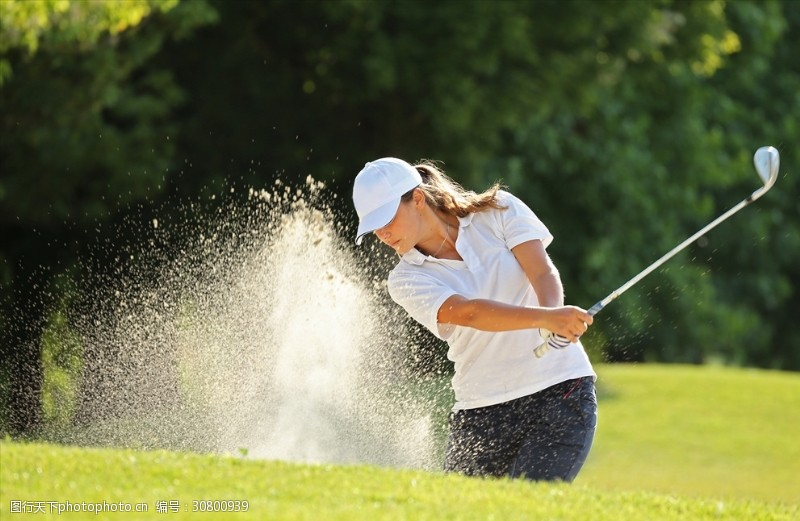 商务人物科技运动打高尔夫球